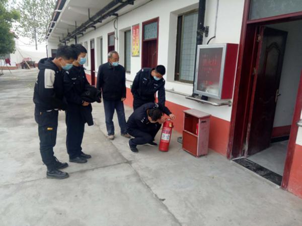邓州市刘集派出所强演练消隐患