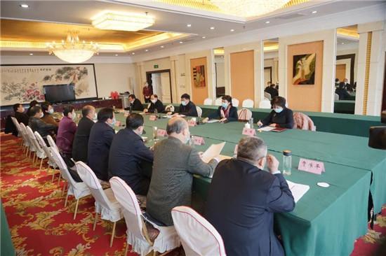 信阳市直统战系统各单位负责人座谈会召开
