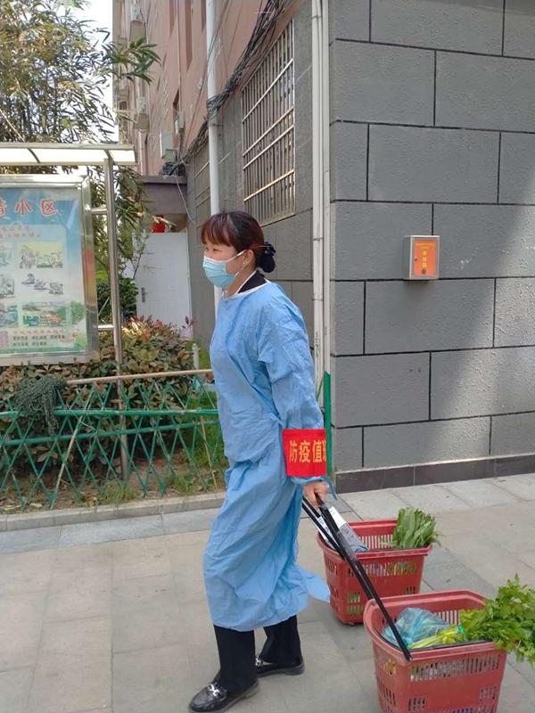 中天物业:不惧风险阻疫情   社区业主送锦旗