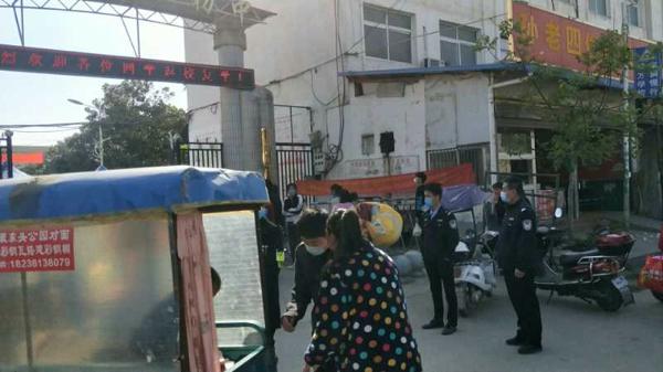 邓州警方:开展校园安全检查  筑牢师生安全网