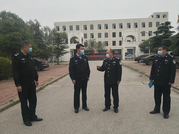 社旗县公安局局长高青督导监所疫情防控和安全管理工作
