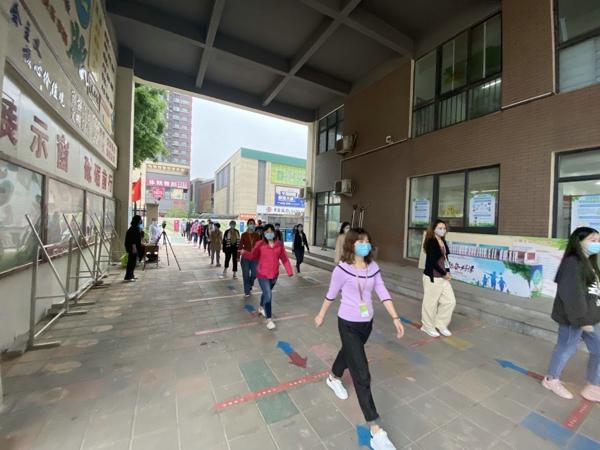 郑州市高新区五龙口小学开展第四次疫情防控开学模拟演练活动