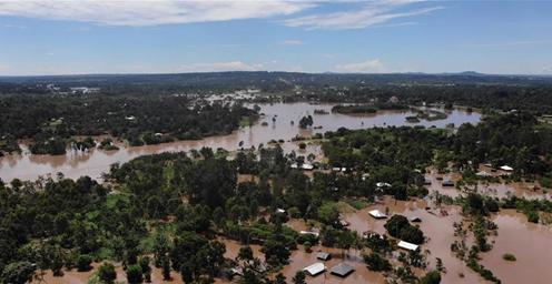 肯尼亚洪灾致194人死亡、10万人流离失所