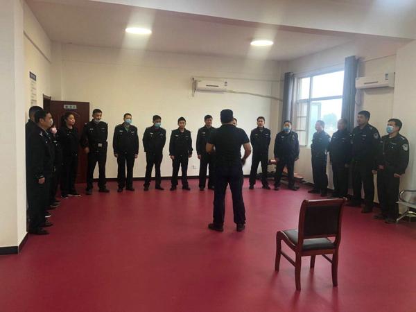 邓州:新华派出所深入开展全警实战大练兵