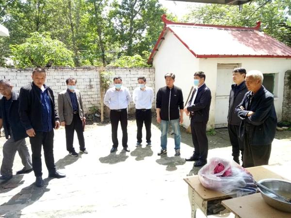 宛城区政府副区长高贵洲一行到溧河乡调研指导健康扶贫工作
