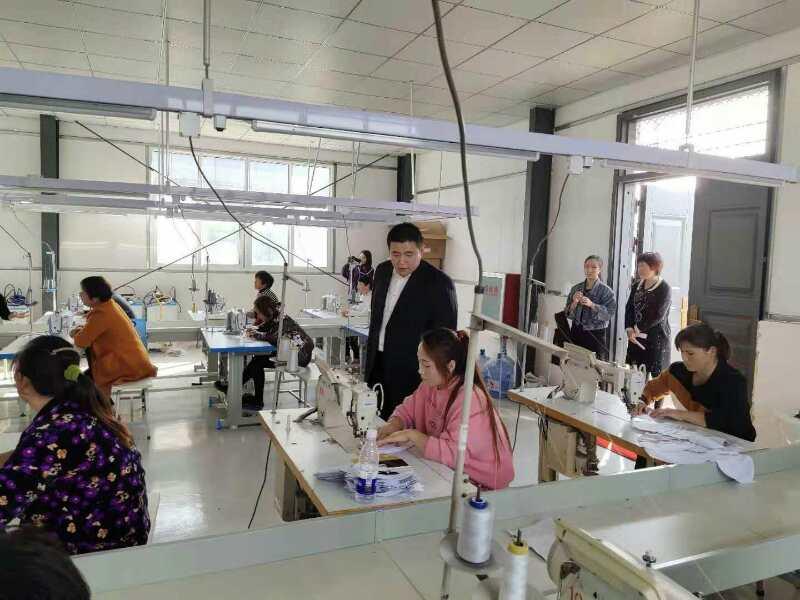 汝南县金铺镇帮助贫困劳动力有序返岗就业