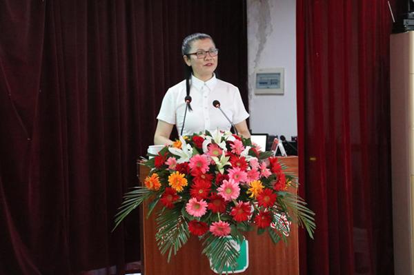 邓州市妇幼保健院特邀洪澜会长开展专题讲座