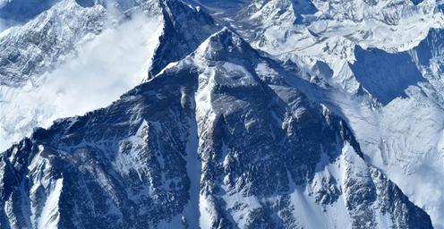 俯瞰珠峰 壮美!