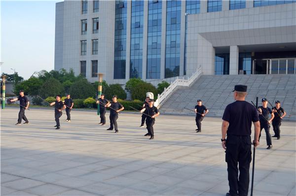 新野法院开展司法警察夏季实战化大练兵活动