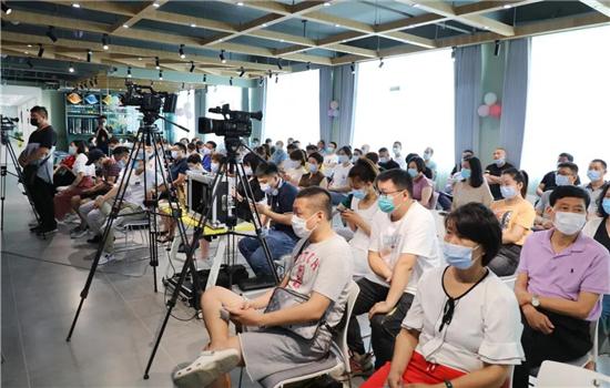 锦荣软装商学院与号外传媒、摆布学院三方战略合作签约仪式圆满成功