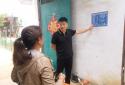 """河南太康:医保扶贫政策宣传牌,给群众看病报销带来""""大""""方便"""