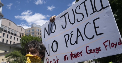 弗洛伊德死亡 华盛顿继续抗议警察暴力执法