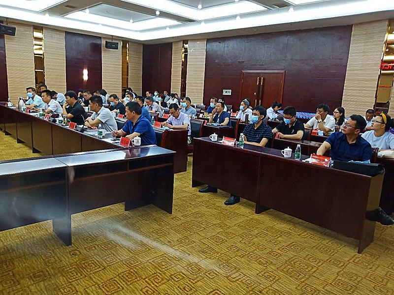 河南省公共文化服务体系建设绩效考核组莅临邓州实地验收考察