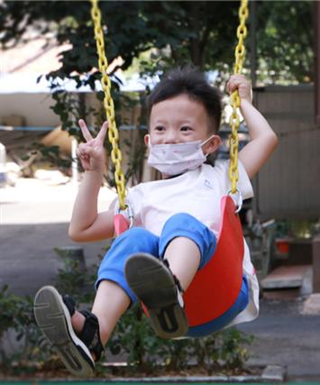 【郑在蝶变】通信花园社区:路平、院绿、便民 老社区迸发出了新活力