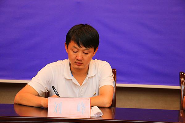 邓州市脱贫攻坚新闻发布会:展成效宣政策促脱贫