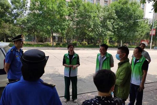 端午漯河城管做城市坚守者 织密路网助推环境美起来