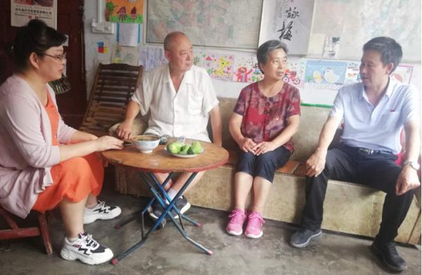 内乡县城关镇商城社区:庆七一建党节这样过!