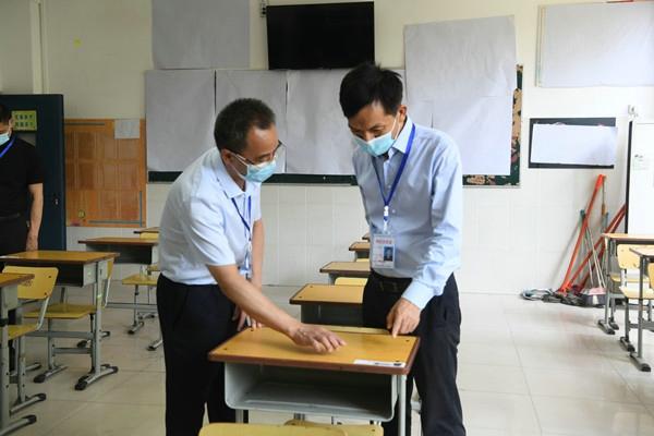郑州管城区政府副区长苏莹玺督导高考考点准备情况 及周边环境