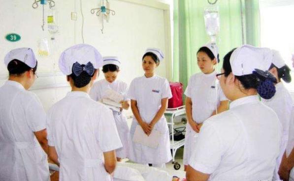 国家卫生健康委:医学专业毕业生可免试申请乡医执业注册