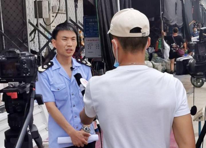 郑州惠济区弓寨蔬菜水果便民点多举措服务周边群众,老百姓点赞!