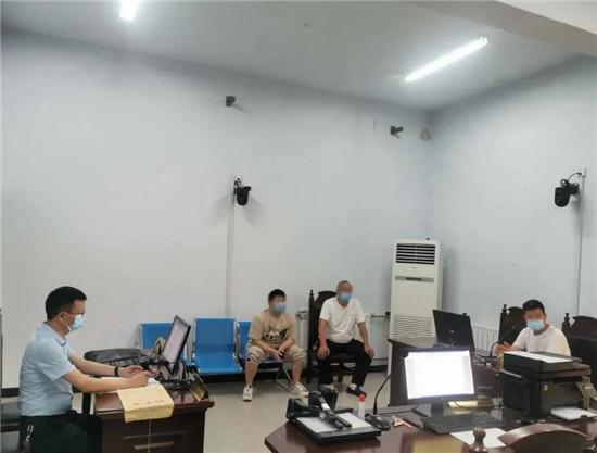 许昌市魏都区人民法院院长半天调解两案件 对症下药双方握手言和展笑颜