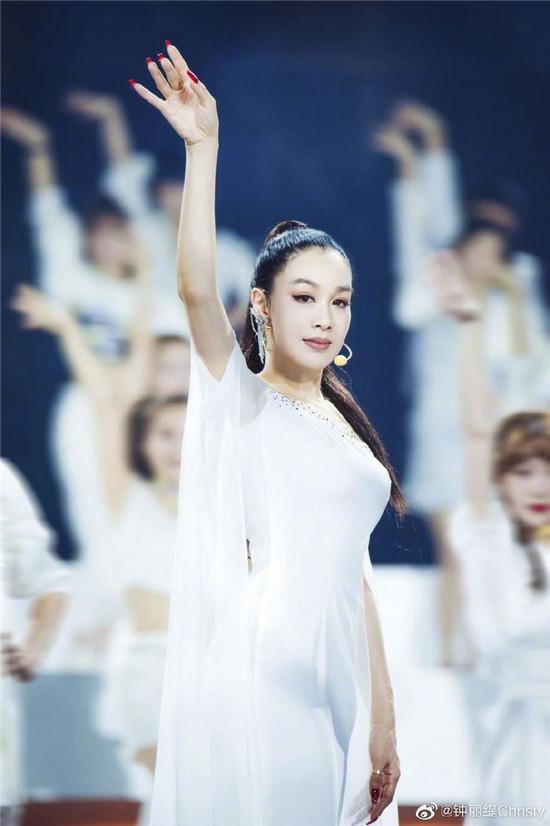 沈梦辰、钟丽缇竟然被淘汰《乘风破浪的姐姐》第二次公演谁被淘汰?