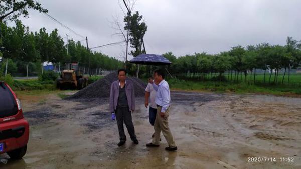 河南邓州市防汛督导不停歇