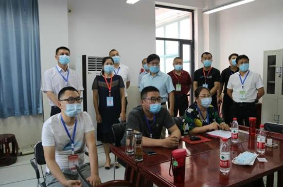 管城区教育局党组书记、局长高峰到郑州市第二十九中学考点巡查中招考试工作