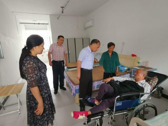 驻马店市残联领导到汝南检查托养院防汛工作