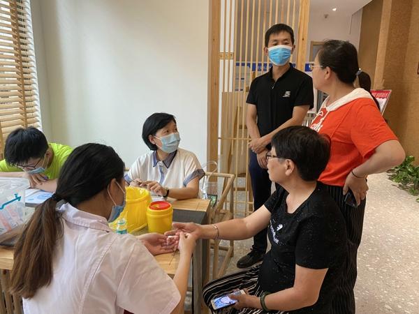 """不做""""小糖人"""" ——郑州市工人新村社区开展糖尿病健康知识讲座"""