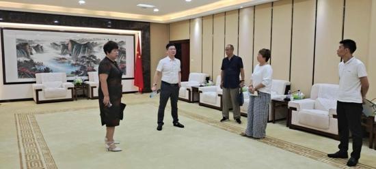 欧盟中国委员会秘书长李铮一行莅临汝南考察