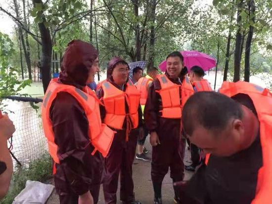防汛一线 汝南县金铺镇领导干部带头冲锋工作纪实