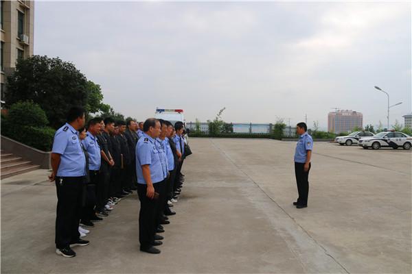 南召县法院:出动50余名干警强制腾房