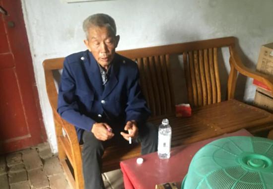 遂平县一女童不慎落水 7旬老人跳河拼命救人