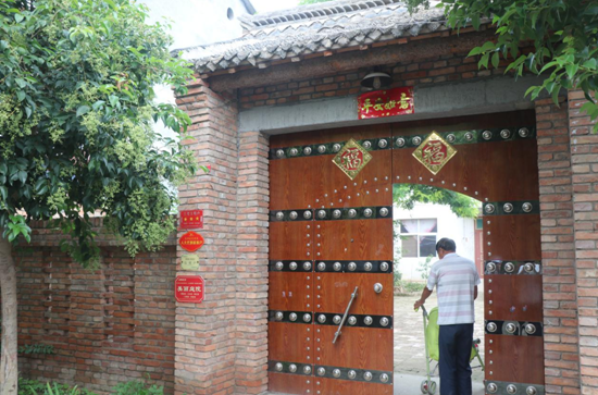 【决胜2020 乡村振兴看河南】景美业旺 幸福张庄
