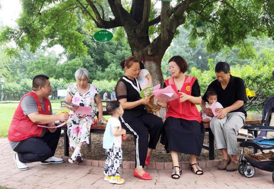 漯河城管志愿服务文明之花盛开沙澧大地