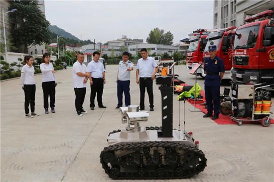 老君山文旅集团八一建军节走访慰问消防队及部队官兵