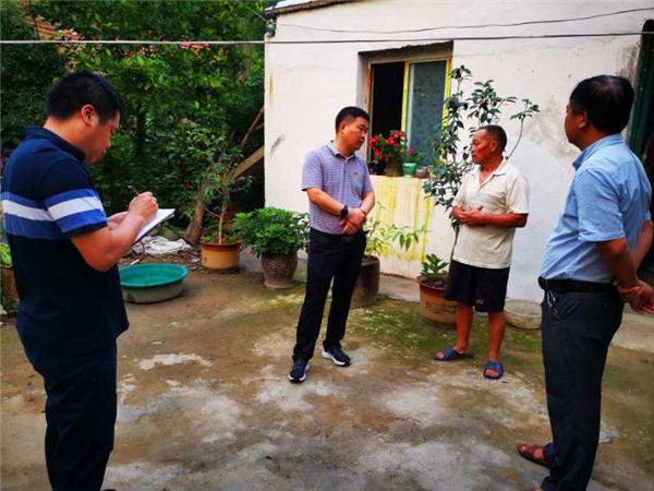 新野县歪子镇党委书记张永峰:心系群众 真情扶贫