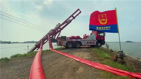 应急部紧急调派20台大流量专业排涝车支援江西防汛抗洪救灾一线