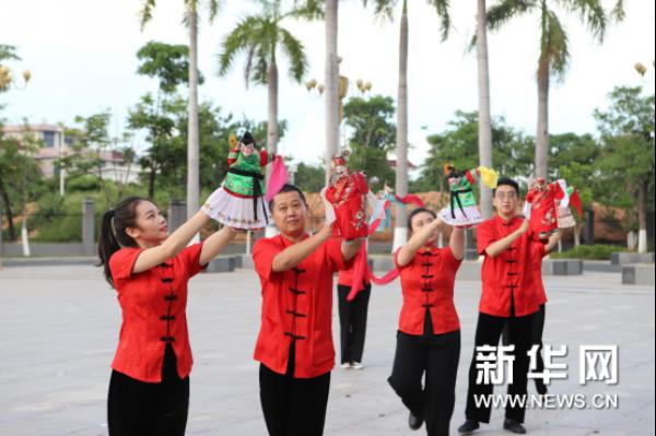 漳州市布袋木偶传承保护中心开展非遗进军营活动