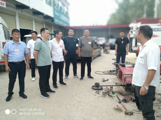 汝南县三桥镇组织人大代表调研农机合作社助力乡村振兴