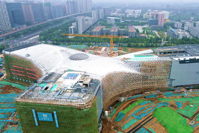 河南:国内最大在建科技馆幕墙开始大规模施工