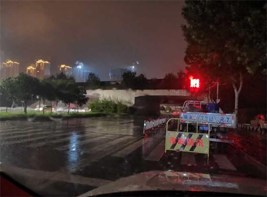 """郑州市丰庆路街道办事处闻""""汛""""而动 严阵以待"""