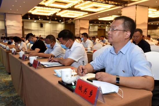河南省新的社会阶层人士统战工作先行示范区授牌仪式在新郑举行