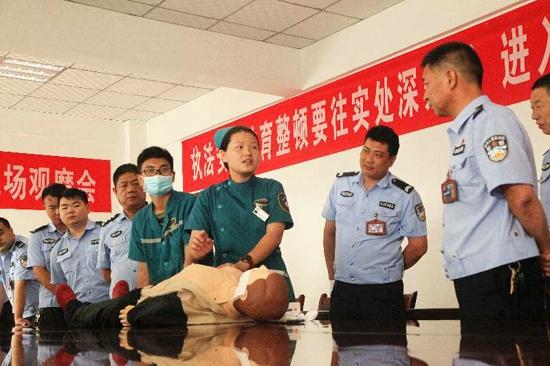 武陟县交警大队开展应急急救和心肺复苏培训