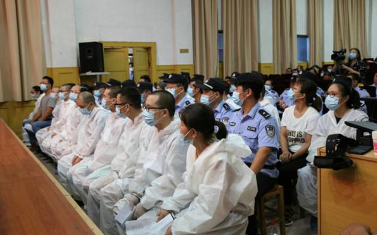 太康法院公开审理史某霞等21人电信诈骗案件