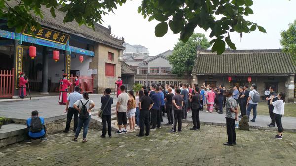 内乡县衙:暑期旅游持续火爆