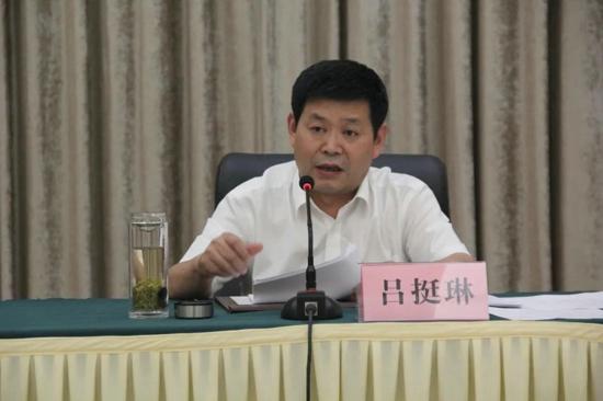郑州市非公企业党建工作推进会观摩团  走进大桥石化惠济区红色家园