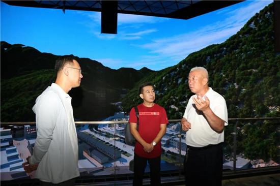 老君山文旅集团董事局主席杨植森到栾川县博物馆现场办公