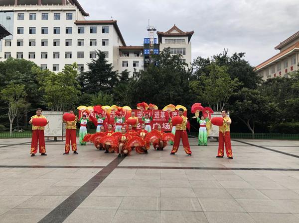 助力创文攻坚 郑州花园路街道文艺志愿者在行动
